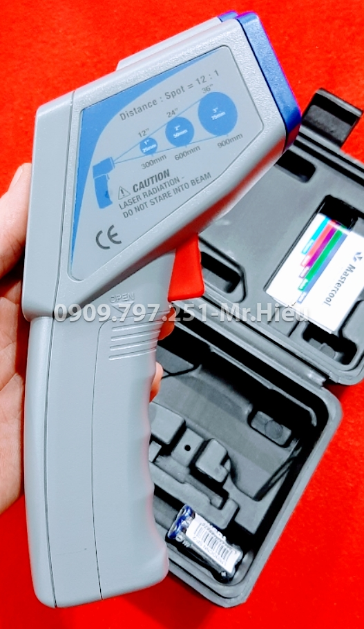 52224-A INFRARED THERMOMETER WITH LASER